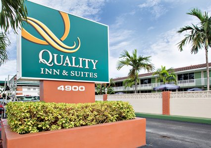 Quality Inn & Suites Hollywood Blvd