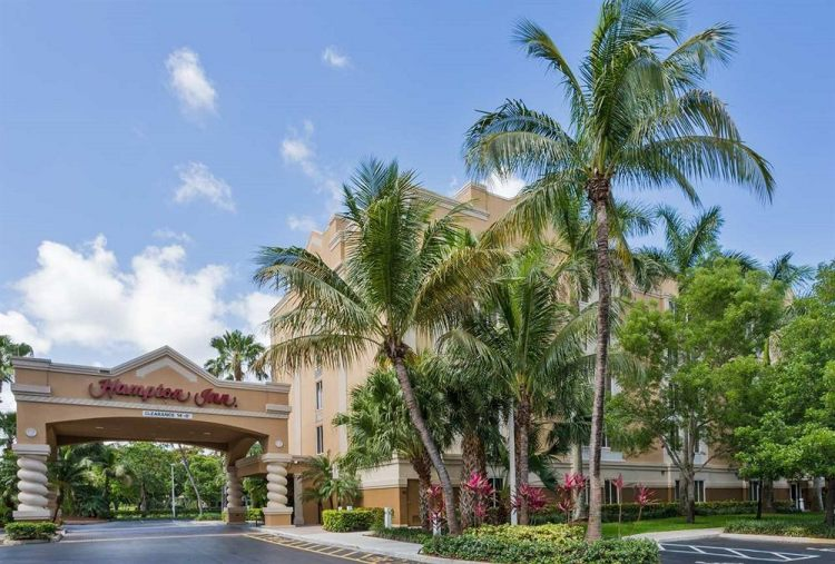 Fll Hotel And Parking Deals Park Stay Fly From 120